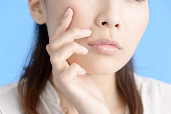 肌に光のようなツヤと、みずみずしい潤いを与えてくれる水光注射